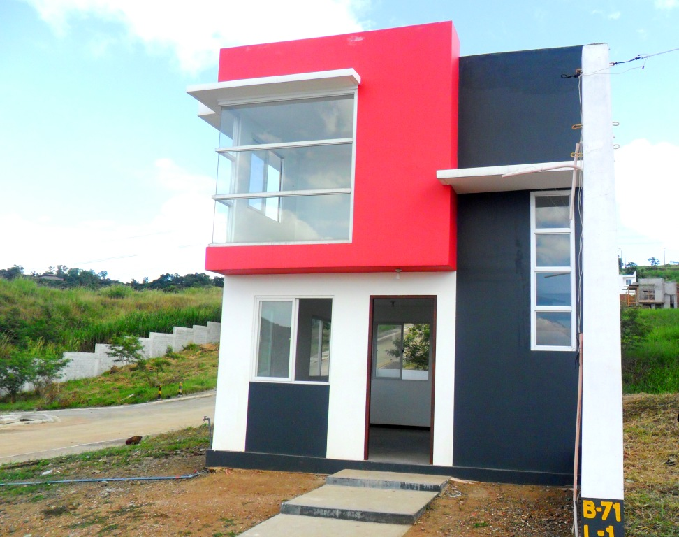 Real estate eastborough place in angono rizal province for 2 houses on one lot for sale