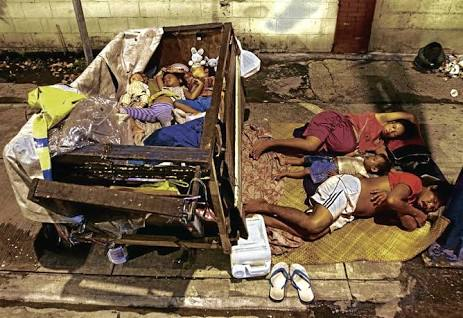 Street-dwellers-in-Manila